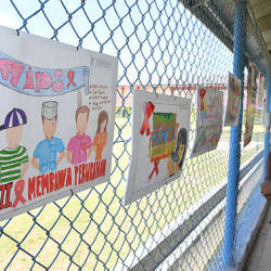 Drawings from prisoners are displayed for World AIDS day 2019 in Kajang Prison yesterday — Bernama