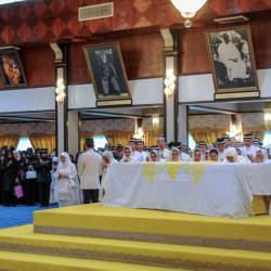 Yang di-Pertuan Agong Al-Sultan Abdullah Ri'ayatuddin Al-Mustaffa Billah Shah and Tengku Muda Pahang Tengku Abdul Rahman Sultan Ahmad Shah (L) pay their last respects to Sultan Ahmad Shah Al Musta'in Billah Ibni Almarhum Sultan Abu Bakar in the Throne Room of Istana Abu Bakar, Pekan on May 23, 2019. — Sunpix by Ashraf Shamsul