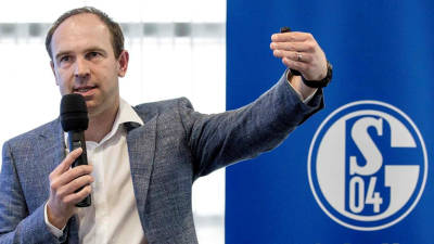 Schalke bosses apologize for image debacle, announce big savings