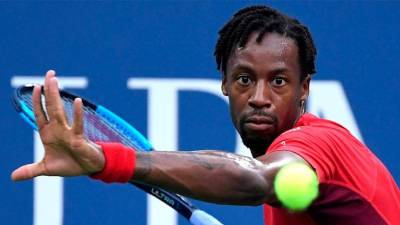Monfils to struggle with fewer fans at French Open