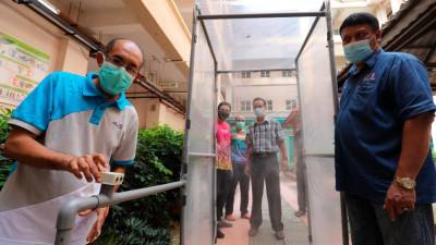 USM designs low-cost anti-virus showering tunnel
