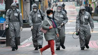 WHO warns of mask shortages as virus cases rise worldwide 1