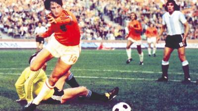 Cruyff to get his own football musical
