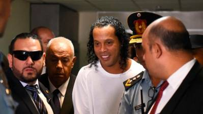 Ex-Brazil football star Ronaldinho, brother arrested in Paraguay 1