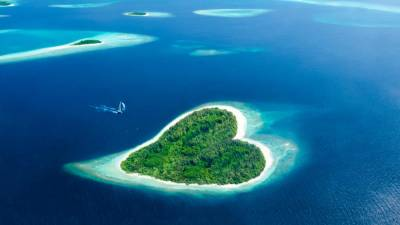 The Heart-shaped Island is one of many beautiful natural wonders in Maldives