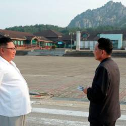 This undated picture released from North Korea's official Korean Central News Agency (KCNA) on Oct 23, 2019 shows North Korean leader Kim Jong Un (L) inspecting the Mount Kumgang tourist area. — AFP