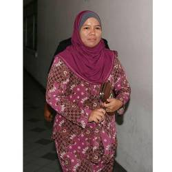 The 12th prosecution witness, former policewoman Nur Ronal Ardes Amir, 39 at the Shah Alam High Court today. — Bernama
