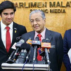 Prime Minister Tun Dr Mahathir Mohamad at a press conference in parliament today — BBXpress