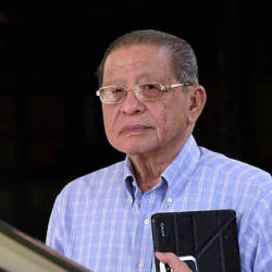 PAS spewing 'fake news', says Kit Siang