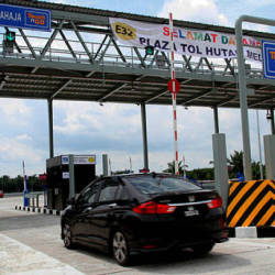 The Teluk Intan toll plaza of the West Coast Expressway on June 2, 2019. — Bernama