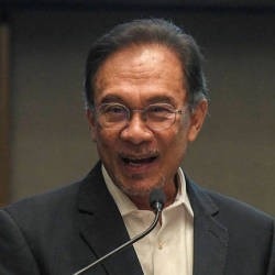 Kit Siang's debate withdrawal, a wise decision: Anwar