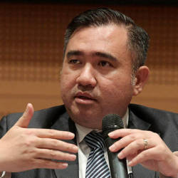 No plans to introduce ceiling or floor prices for air tickets, says Loke