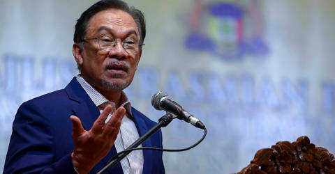 Why are bigger companies given leeway in haze issue, asks Anwar