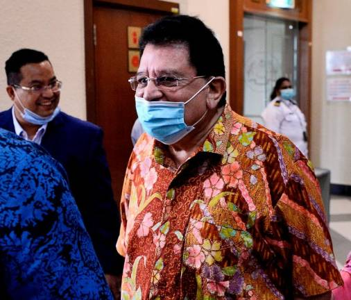 Tengku Adnan handed over more than RM1m to assist BN machinery in Sg Besar, Kuala Kangsar, court told