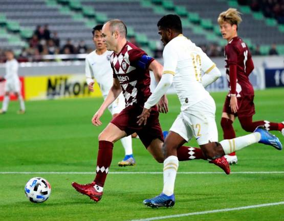 On-form Iniesta steers Kobe to emphatic ACL victory