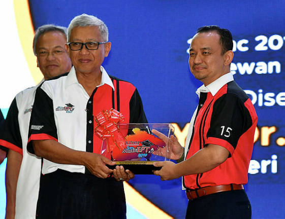 Special path to four groups to enrol in public universities: Maszlee