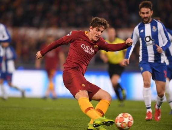 Zaniolo strikes twice to clinch Roma win over Porto