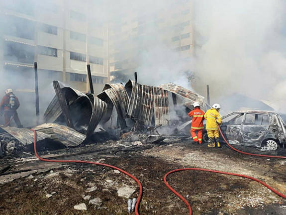 2 die in fire in Sepang and a longhouse burns in Bangsar