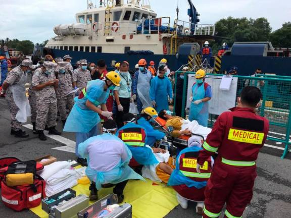 MMEA: Four crewmen found after being reported missing in ship collision with oil rig platform near Baram