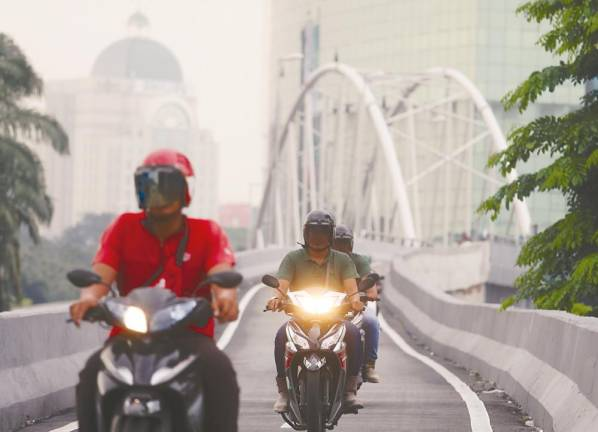 Push for motorcycle lanes in 12MP