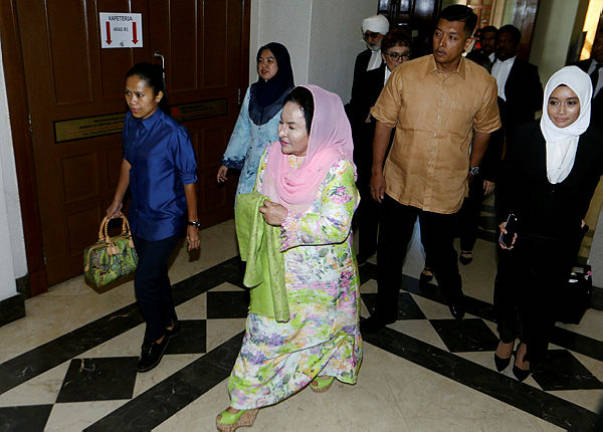 Rosmah given seven days to check and confirm 44 pieces of jewellery