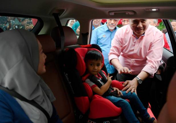 Case of toddler flung out of car: A lesson on importance of child safety seats, says Loke