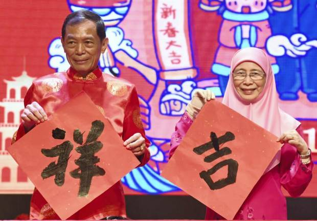 Spirit of M'sian togetherness on display at CNY 'open house' events (Update)
