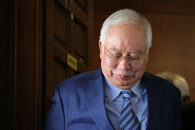 Prosecution questions Najib on discrepancy in statements to MACC, court