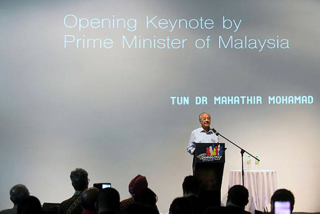 Fulfil promises or government will collapse: Dr Mahathir