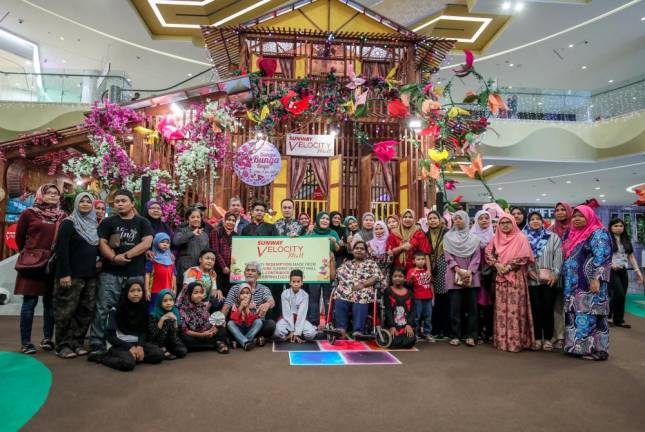 Sunway Velocity Mall initiates feeding programme for the poor