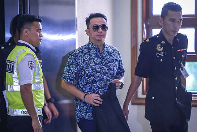 Prosecution hands over documents on Rizal Mansor's corruption case