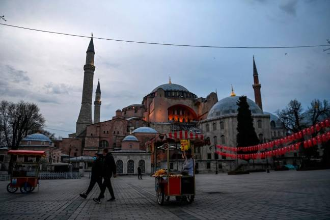 Turkey tightens virus rules for Ramadan