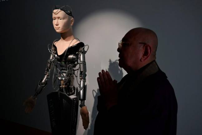 Japan puts faith in robot priest