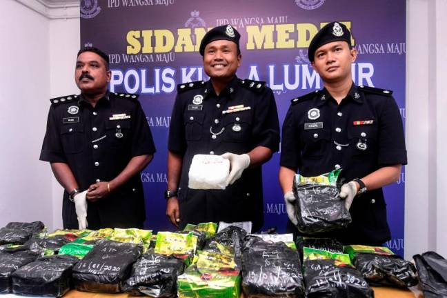 Woman among three suspected traffickers held, drugs worth RM948,000 seized