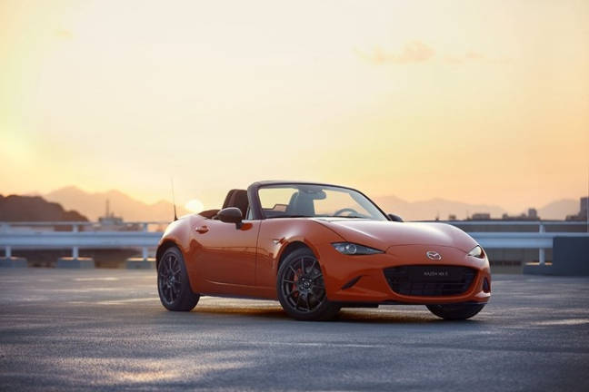 30th anniversary edition of the MX-5 released
