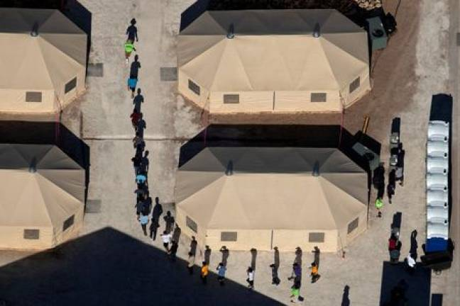 Texas tent city that holds migrant teens to close