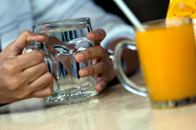 'Not more than 30 sen for drinking water at eateries'