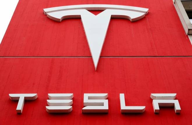 Texas police to demand Tesla crash data as Musk denies Autopilot use