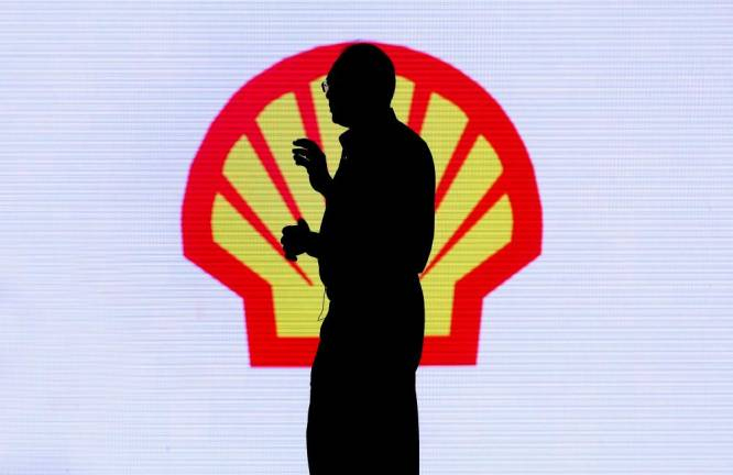 Shell enters Australia power industry with $419 mln bid for ERM Power