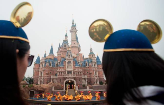 Shanghai Disney allows food, but not durian