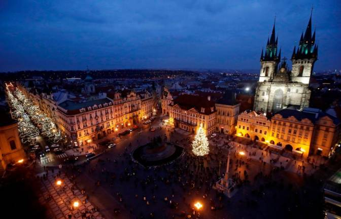 Czech government to allow shops, restaurants to reopen from Dec. 3