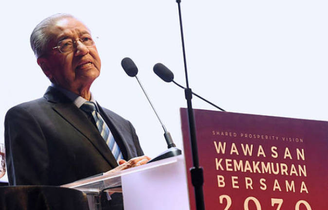 Income gap between T20 & B40 widened to RM10,000 in 2016: Mahathir