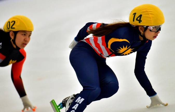 Dione wins bronze in women's ice skating 1000m short track