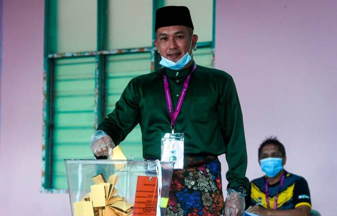 BN candidate Mohd Sharim leads with comfortable 12,041 majority