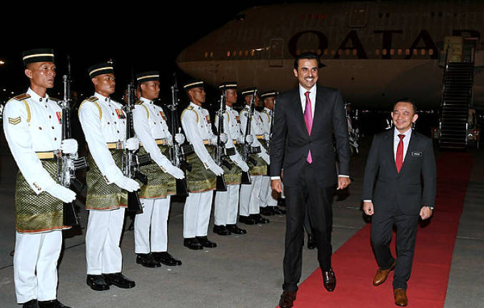 Emir of Qatar arrives in Malaysia for KL summit