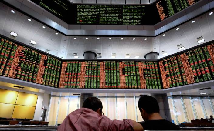 RM44 billion in market value wiped out as KLCI slides 2.7% on political shocks