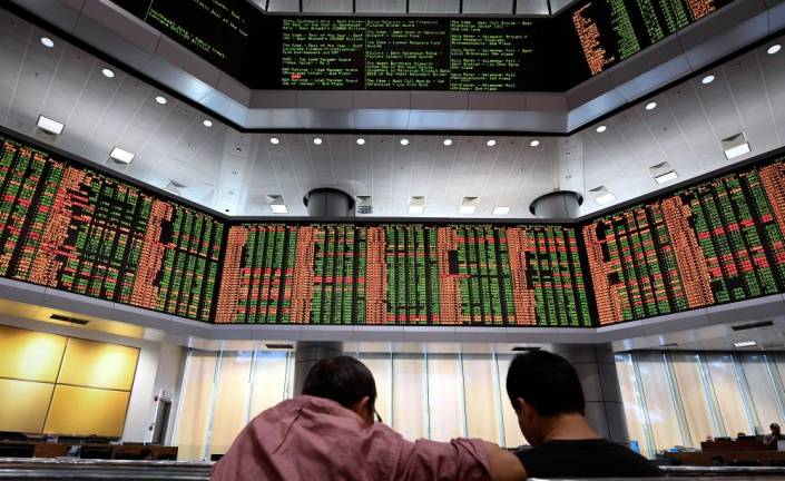 Foreign investors exit Bursa after 3 straight weeks of net inflow