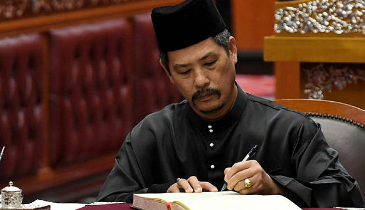 Isa Ab Hamid sworn in as senator for second term