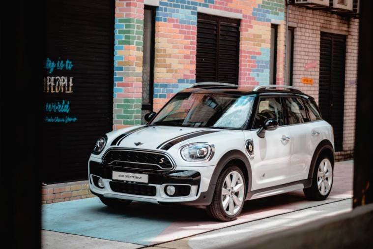 New MINI Countryman Plug-In Hybrid Wired.