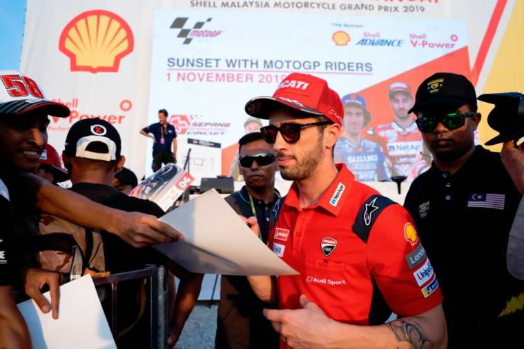 MotoGP fans awesome day with Shell's 'Sunset at Hillstand'